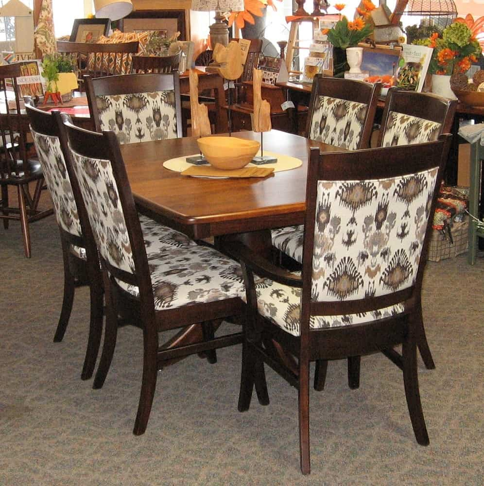 42 X 54 Innsbruck Dining Table With 2 12 Leaves Set Includes Franklin Arm Chairs And 4 Side Shown In Brown Maple A Two Tone
