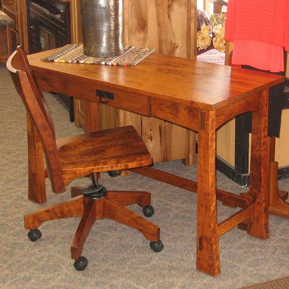Modesto Desk Shown In Rustic Cherry With A Michael 39 S Cherry Finish Desk Only Amish Oak
