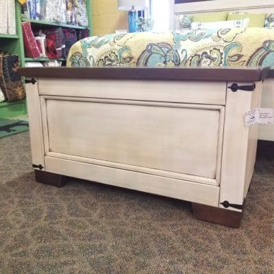 Farmhouse Heritage Blanket Chest 1